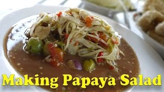 How to Make Papaya Salad in Luang Prabang, Laos