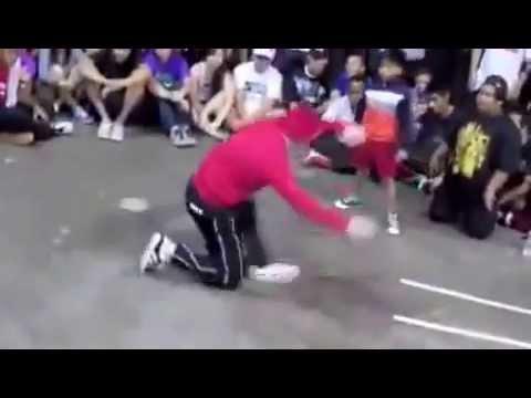 تحدي رقص بين طفل وشاب   رقص الطفل خرااافي  Children dancing thumbnail