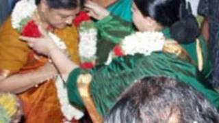 Jayalalitha - Is She lesbian Relationship With Sasikala ?