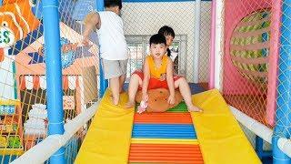 Trò Chơi Cầu Trượt   ❤ Nhà Bóng Đồ Chơi Cho Trẻ ❤  Toy Review