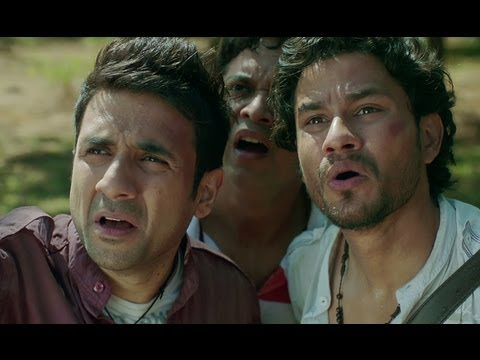 Kunal Khemu Vir Das & Anand Tiwari Freak Out - Go Goa Gone