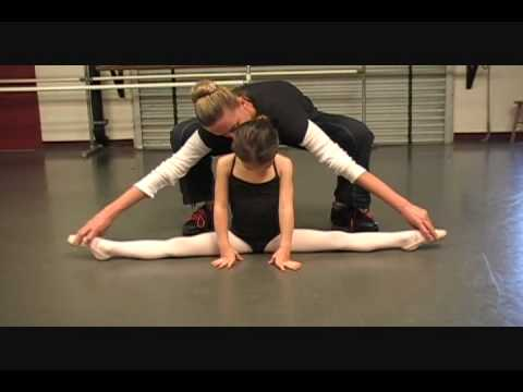 5 year old Kaylee doing Classical Ballet dance (Russian Ballet trained) Level 1/2 Music Videos