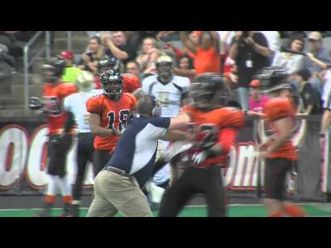 Lincoln Haymakers Head Coach hits Omaha Beef RB after TD