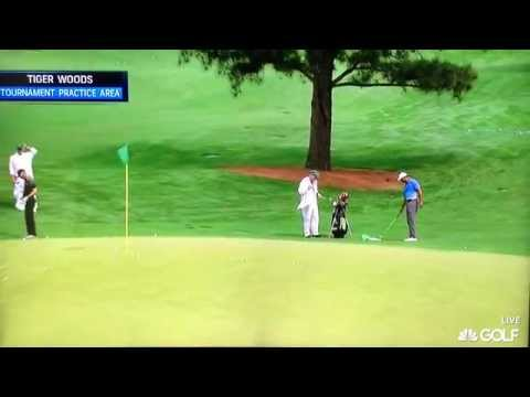 Tiger Woods - Chipping / Pitching Practice (2015 Masters)