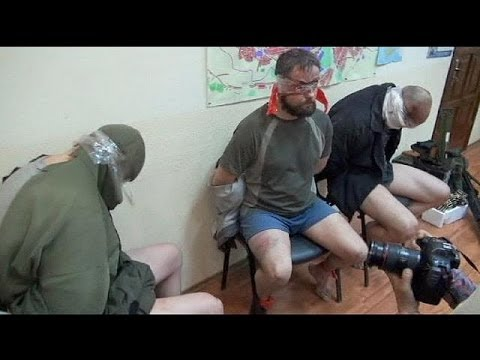 Ukraine: Pro-Russian rebels parade latest captives for the press