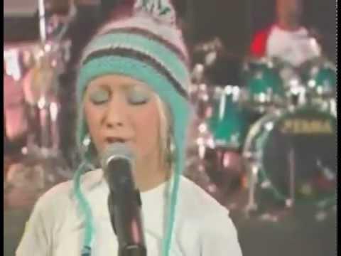 Christina Aguilera -  Impossible Live AOL Sessions 2002