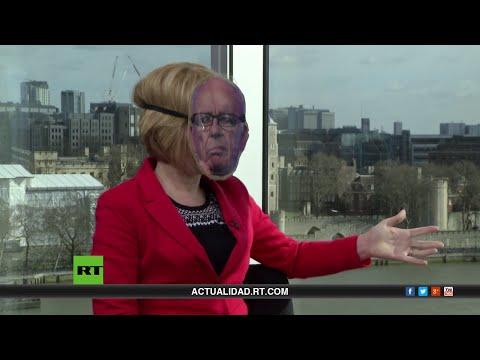 Occupy Ruppert Murdoch: ¿Por qué Stacy lleva una máscara del magnate de medios de comunicación?