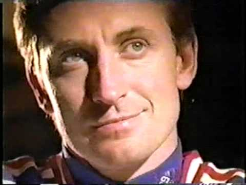 Wayne Gretzky and Mark Messier NHL Chess Commercial