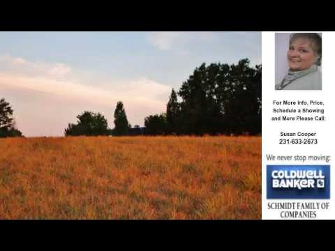 3 CHESTNUT RIDGE, Traverse City, MI Presented by Susan Cooper.