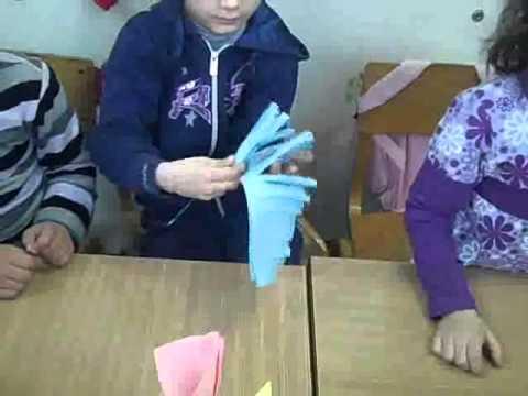 Izrabotka na ikebana  od cvetni origami  vo prvo-4 odd.B.Koneski.wmv