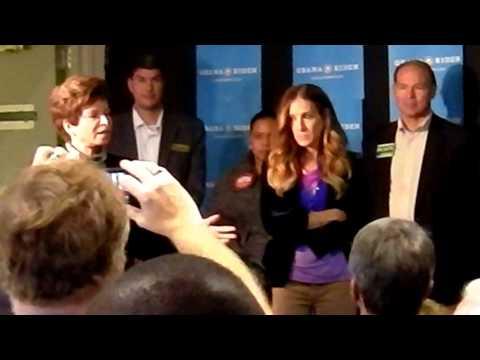 Sarah Jessica Parker, Valerie Jarrett & Alfre Woodward politicking for Barack Obama