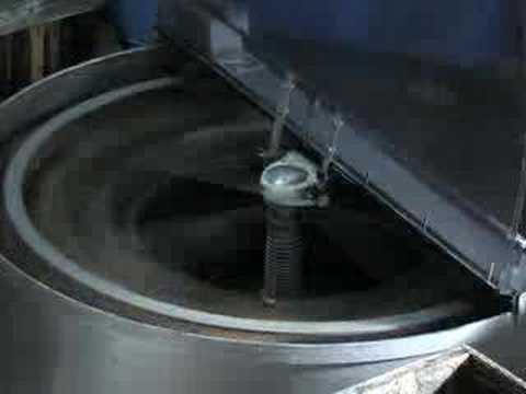 Extracting Thixotropic Manuka Honey With Beetech Honeysucker Extractor And Hummer Spinfloat Centrifuge