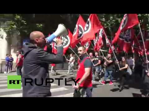Italy: '3rd millennium fascists' CasaPound march against EU in Rome