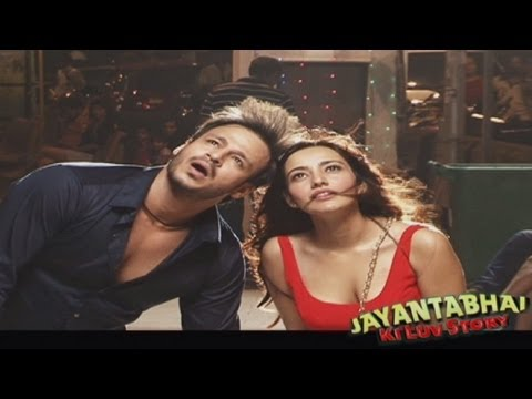 Thoda Thoda Song Making - Jayantabhai Ki Luv Story Behind The Scenes video