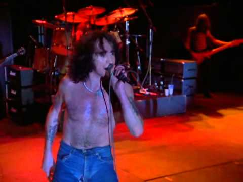 AC/DC- High Voltage live
