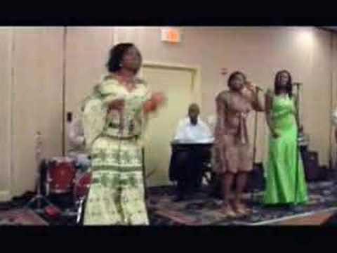 Tolumide Live - Ekwe (onyeka Owenu) video