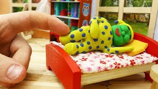 GREEN BABY CAN'T WAKE UP - Play Doh & Clay Cartoons For Kids