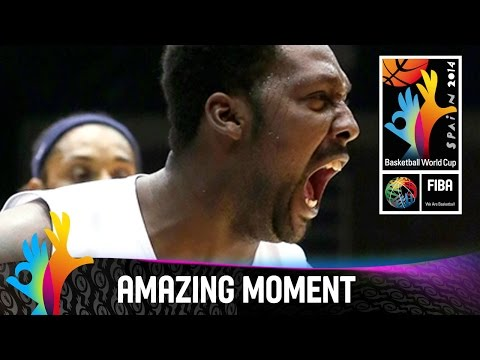 Philippines v Puerto Rico - Amazing Moment - 2014 FIBA Basketball World Cup