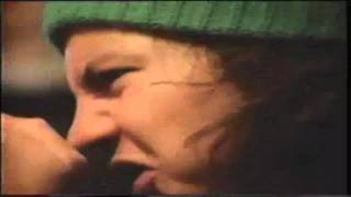 Watch Pearl Jam Satans Bed video