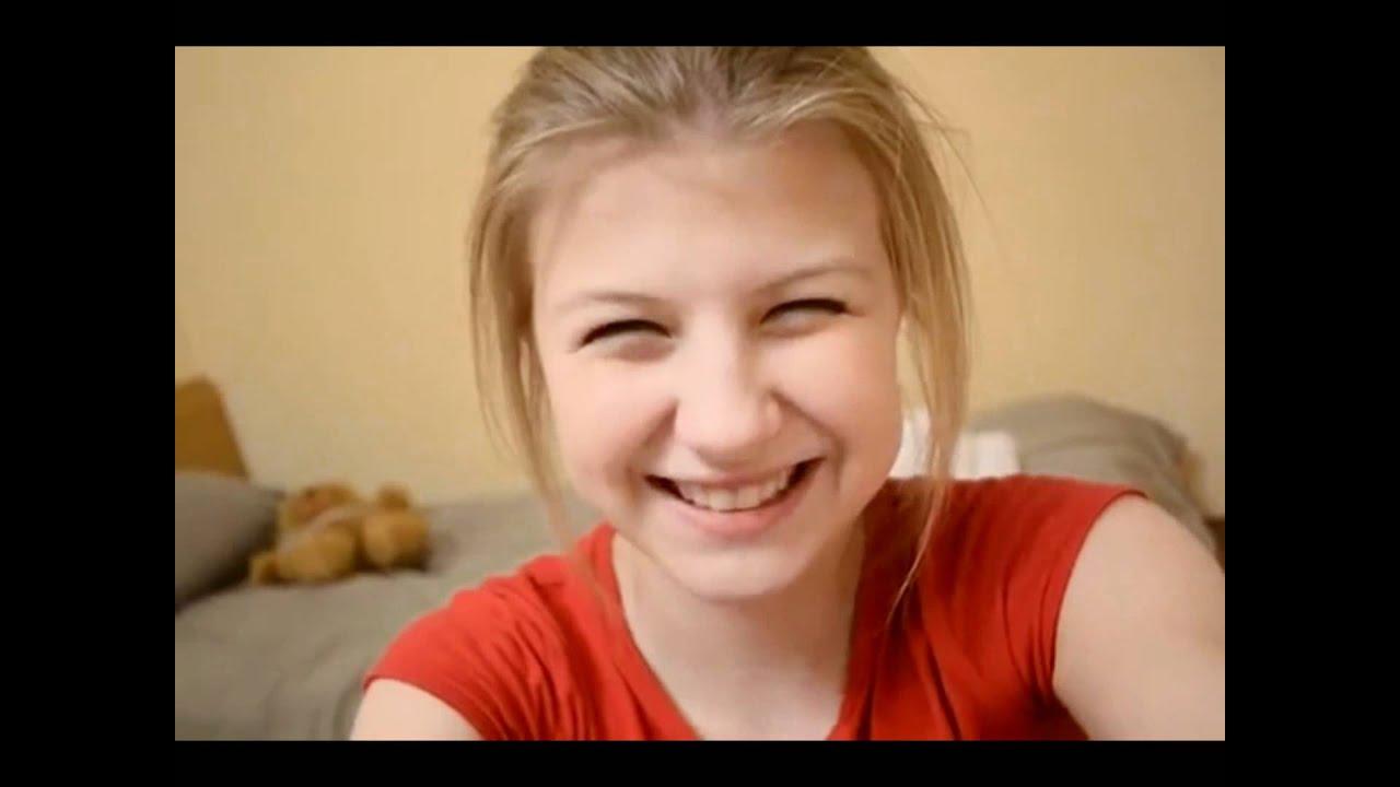 Фото девушек с милой улыбкой 20 фотография