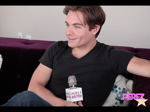 PerezTV #TBT: Kevin Zegers Goes Back In Time And Reveals Juicy Tales From The Set Of Gossip Girl!