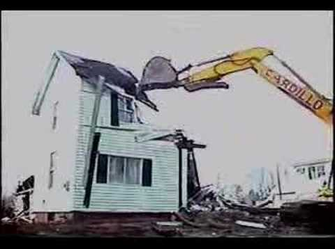 House vs. Excavator: Gone in 40 Seconds