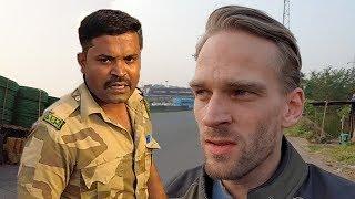 Indian Police Caught Me! Motorcycle on Mumbai-Pune Expressway! (Day 5: Vadodara to Pune)