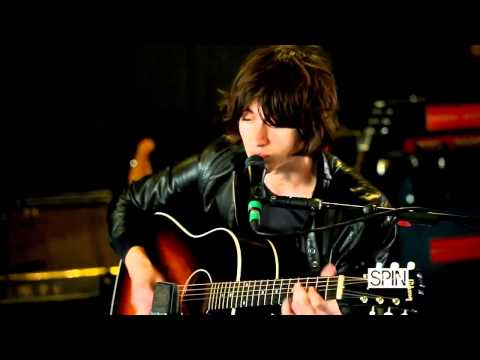 Alex Turner (Arctic Monkeys) - Suck It And See [Acoustic for SPIN Magazine 2011)