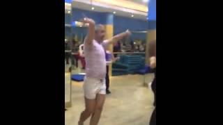 الرجل الراقصة
