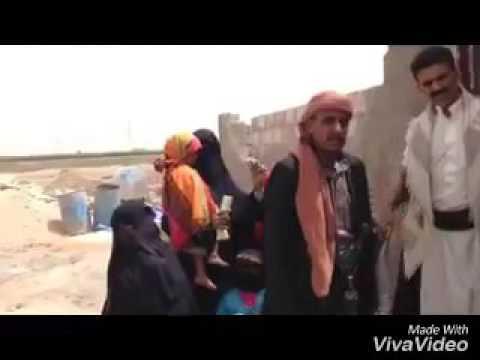 فيديو: ناشط يمني يجمع من أصدقائه في الفيسبوك قيمة منزل لأسرة فقيرة بالعاصمة صنعاء