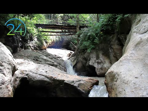 Relaxing Waterfall - 8 Hours - Meditation Calm Peace Serenity Nature Relaxation Sound Relajación video