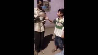 Abid Shaka Ka Chota Fan Dekhe Kesi English Bolta Hai (Geo mera Chota Fan)