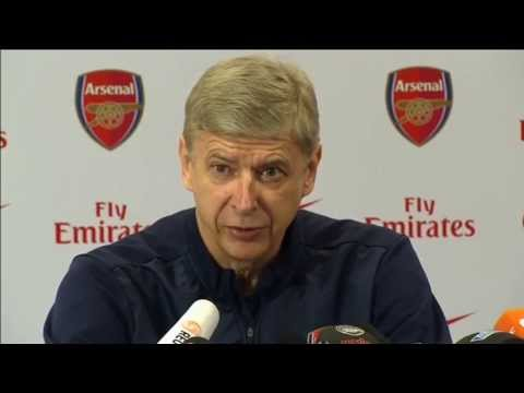 Arsenal's Arsène Wenger on Mesut Özil and Roy Hodgson 'monkey' gaffe