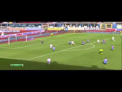 Montolivo vs Catania 2013