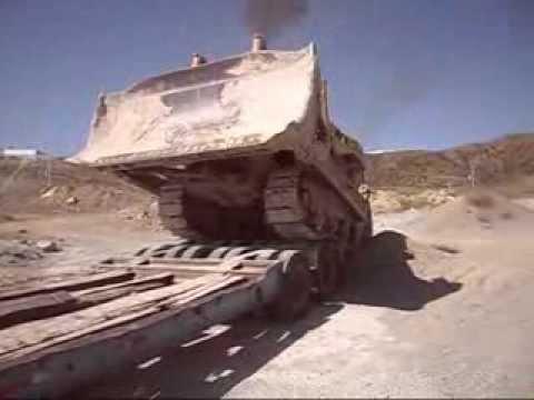 Transporte de Maquinaria pesada en cama baja caterpillar D-8L