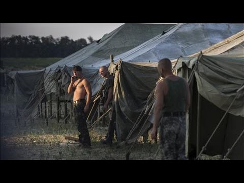 Ukrainian Soldiers Go Back to Ukraine From Russia
