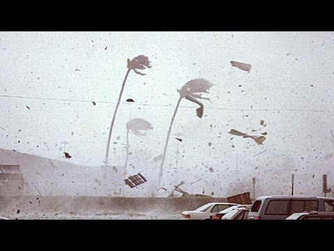 Hurricane Cyclone Hudhud Landfall & Hits Visakhapatnam India - Indian Storm [RAW FOOTAGE]!!!