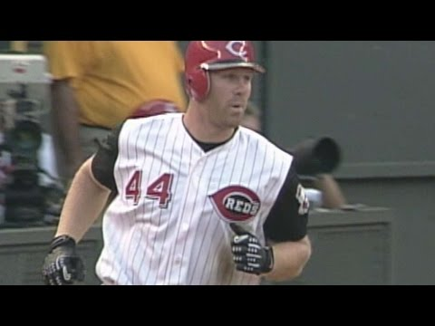 Adam Dunn hits his first homer in Majors