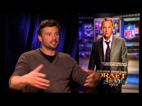 Tom Welling - Draft Day - ZayZayCom
