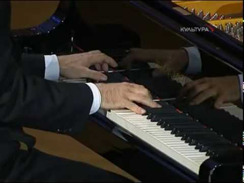 Pletnev plays Chopin Preludes