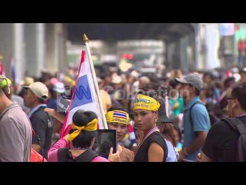 THAILAND: ANTI-GOVERNMENT DEMOS -WAVING FLAGS