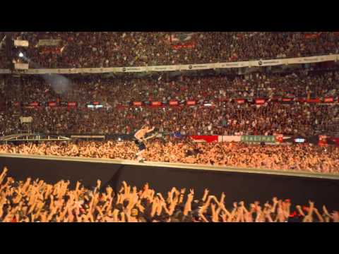 AC/DC - Let There Be Rock (Live at River Plate DVD) FULL HD 1080p (3D)