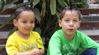 Tres Hermanitos peruanos le cantan al Papa Francisco