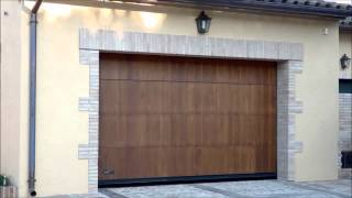 Puerta Seccional Madera de Lamas / Sectional Laminated Wood Door - Angel Mir (Portes Bisbal SL)