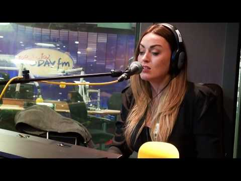Roisin O was live in session on the Ian Dempsey Breakfast Show, April 2015