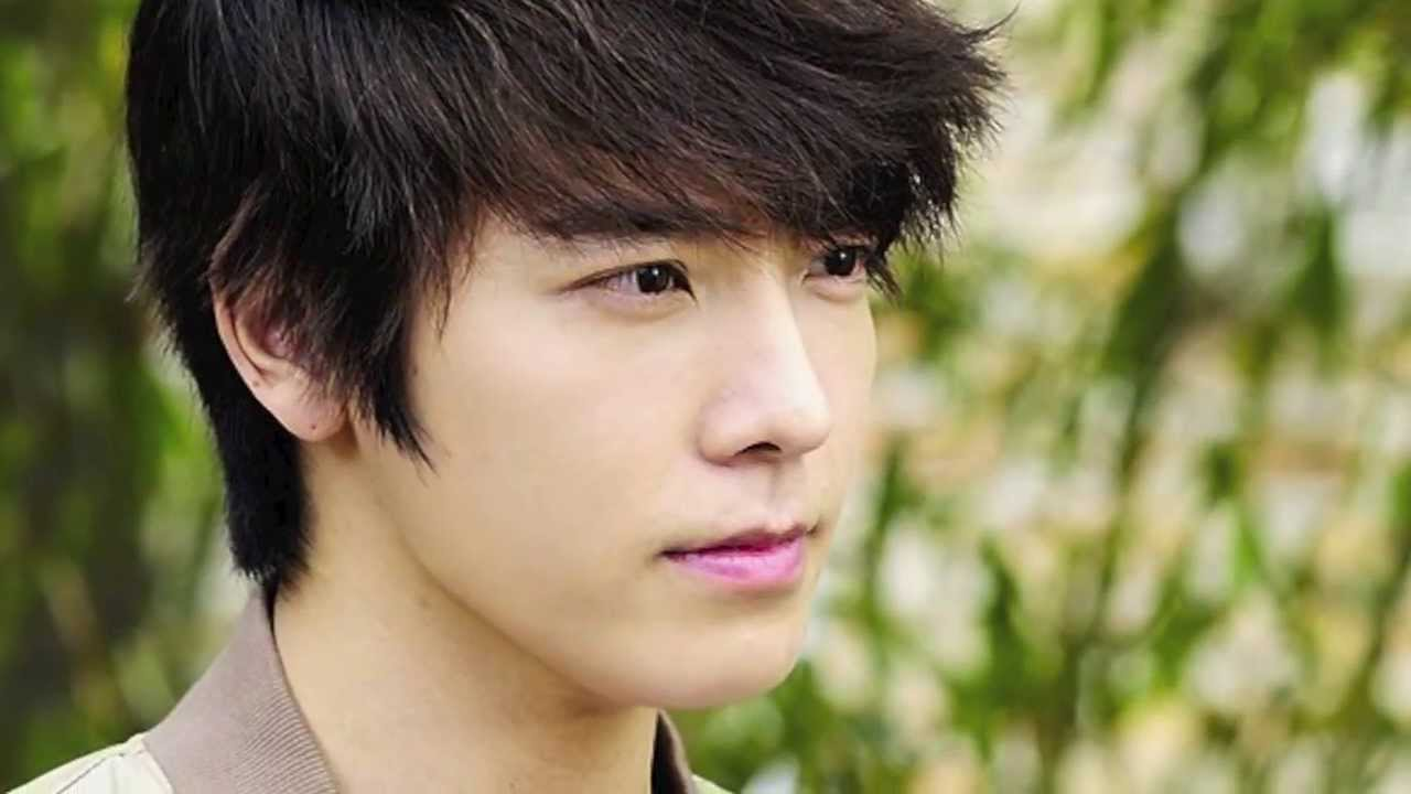 Top 10 Handsome Korean...