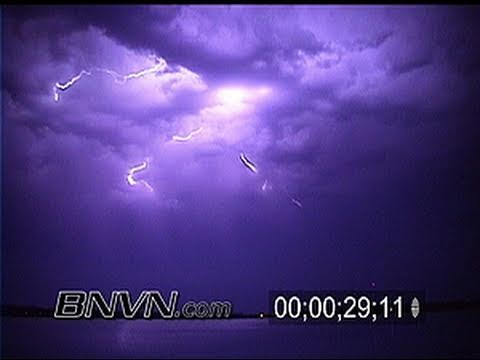 7/16/2000 Vivid Lightning Video From New Ulm MN