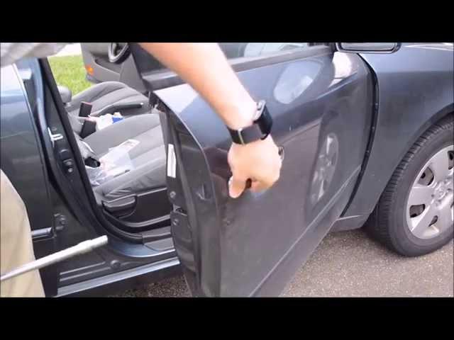 How to replace a Hyundai Sonata 2010 External Door Handle ...