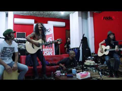 SLANK Live dari Studio
