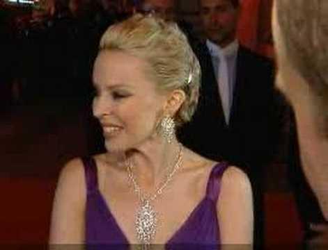 Kylie Minogue is back with boyfriend Olivier Martinez?
